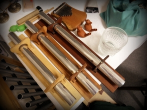 Stůl plný nástrojů