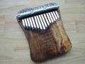 Velká ořechová kalimba, diatonika A-dur, 15 tónů
